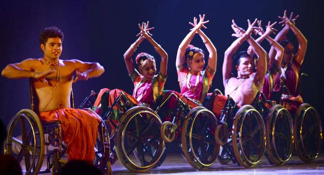 picutre: Bharatanatyam on Wheels: A freewheeling performance (Source: Santabanta Forum)