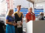 Students of Blankenese school addressing the gathering