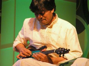 Srinivas performing in Pune, January 2009 (Source: Wikipedia.org)