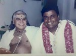 Ghatam Karthick on his weddning (1999) with his guru and Ghatam percussionist Thetakudi Harihara Vinayakram (l.)