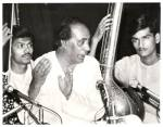 young Uday Bhawalkar (l.) on tanpura accompanying his guru and vocalist Ustad Zia Mohiuddin Dagar (Dhrupad style)